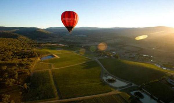 Ballooning-over-Yarra-Valley